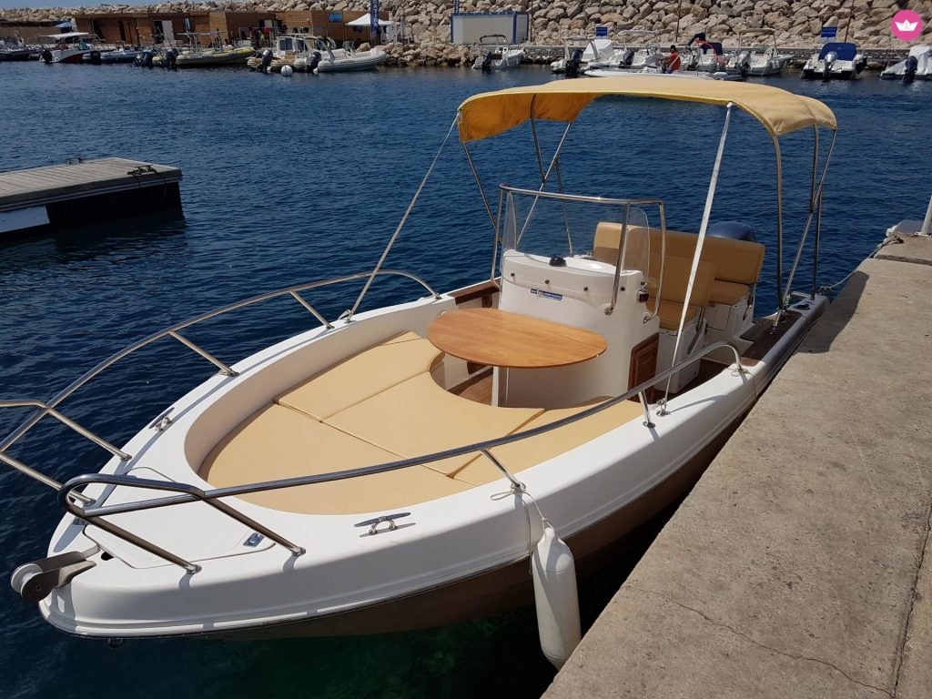Open Boat (Capelli Cap 20) at JJ Boat Rental Marseille